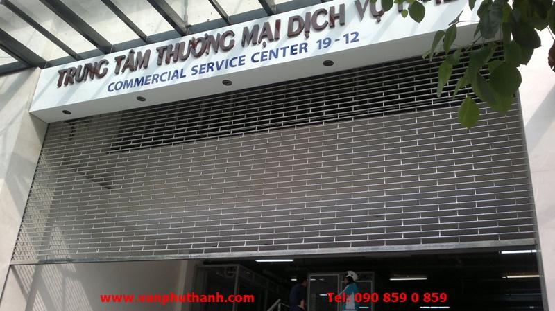 cua cuon song ngang inox finedoor Vạn Phú Thành