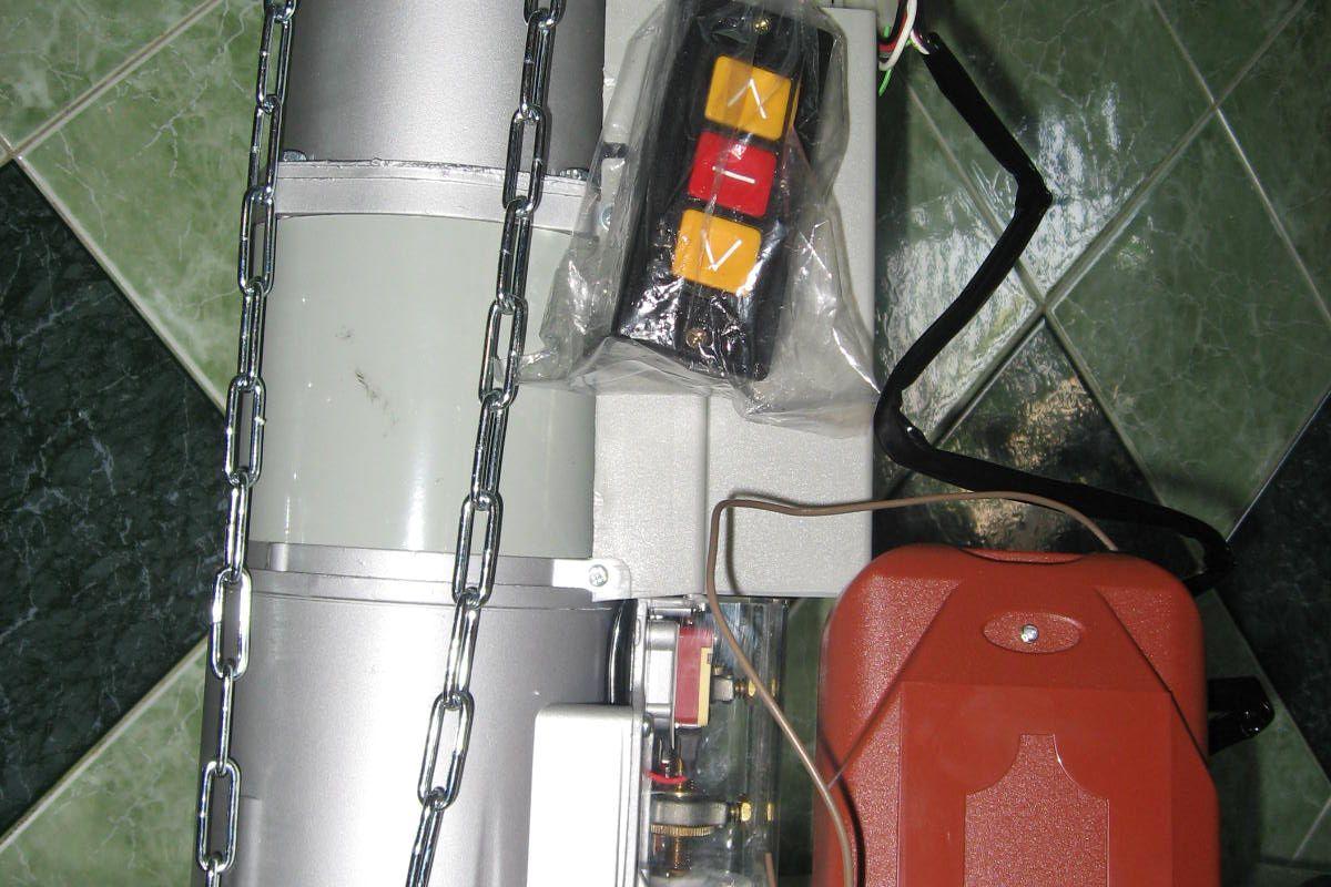 Motor ngoài cửa cuốn YH 400kg