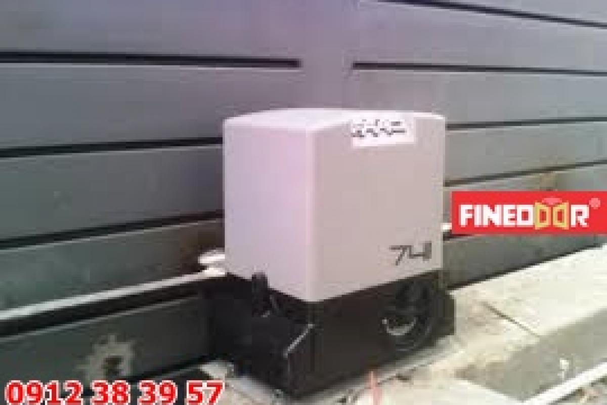 Motor cổng trượt lùa Faac 741 900kg