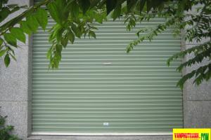 Cửa cuốn tôn màu Đài Loan