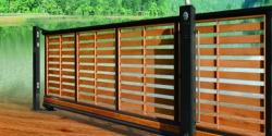 Cổng lùa sắt 1 đường ray thanh gỗ